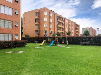 Rentahouse Vende Apartamento Mazuren 19-358 Frr