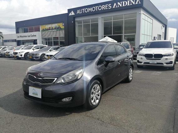 Kia Rio Automático 2012 1.4 4x2 380