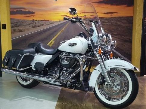 Harley Davidson Road King Classic 17