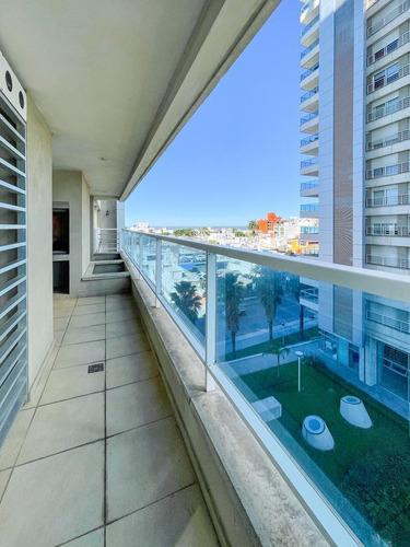 Venta De Apartamento 2 Dormitorios En Suite Con Parrillero Y Terraza En Malvin
