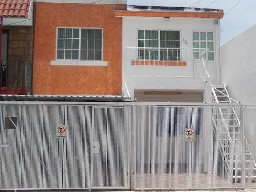 Depa Amueblado En Renta Cerca Del Tec De Mty Qro. Mex.