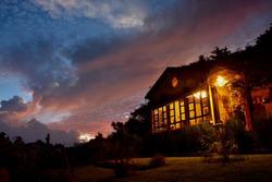 Hermosa Casa En Venta En Santo Tomás Milpas Altas