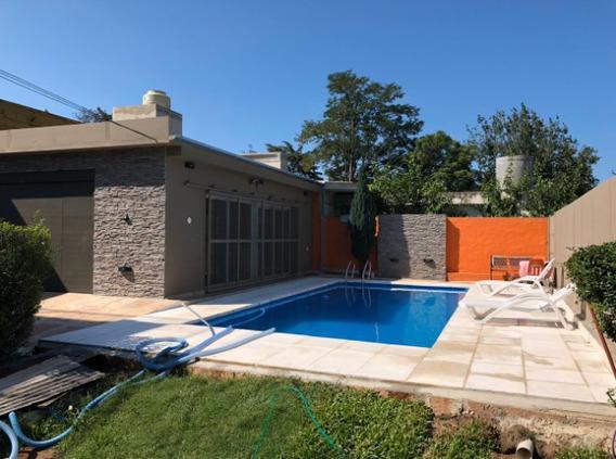 Casa 2 Dorm, Pileta, Cochera, Quincho. B° Becciu