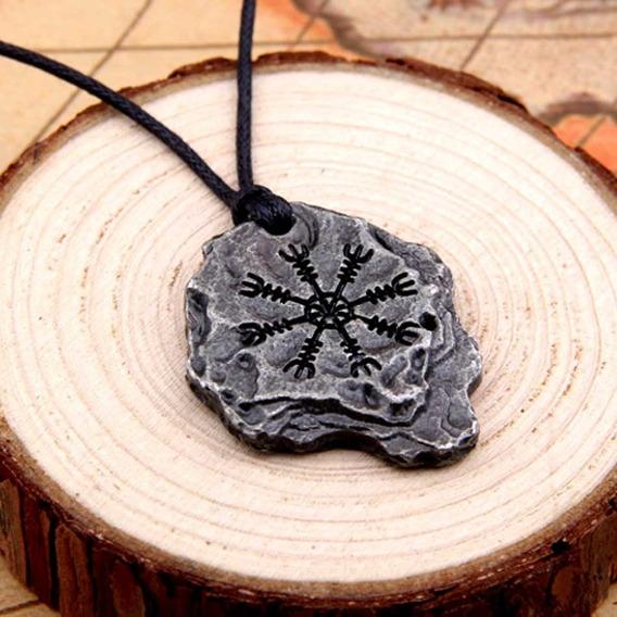 Colar Viking Vegvisir Cordão Runas Amuleto Nórdico Tribal