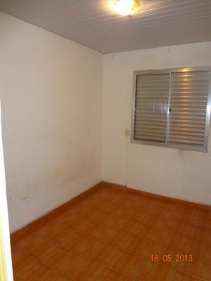 Apartamento Com 2 Dormitórios, Garagem Privativa Coberta