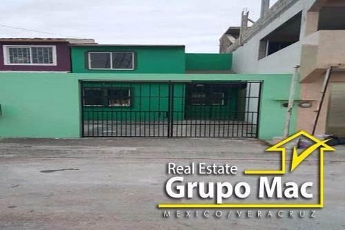 Casa En Venta En Col. Residencial El Campanario, Veracruz.