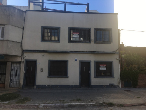 Gran Oportunidad Casa 3 Dorm. 3 Banos,1 Cuadra Shopping