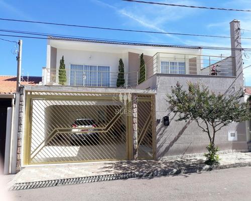Linda Casa Assobradada Para Venda, Localizada No Jardim São Vicente Em Jundiaí-sp - Ca00682 - 32473282