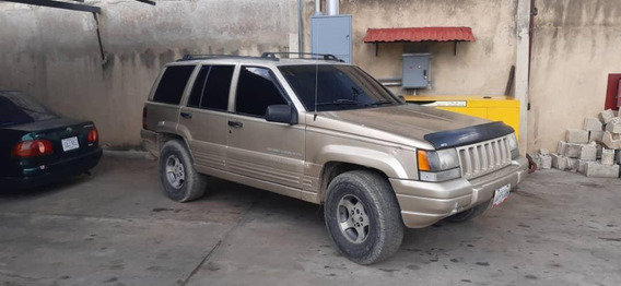 Jeep Grand Cherokee Laredo 99