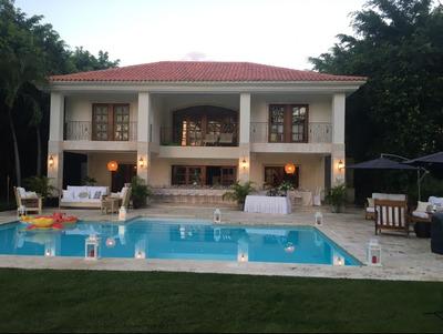 Hermosa Y Cuidada Villa En Metro Country Club,