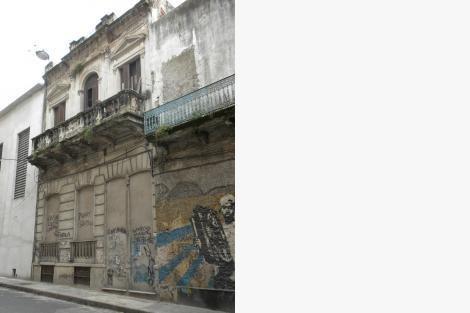 En Calle Paraná Gran Casa Multiuso Con Renta Opcional