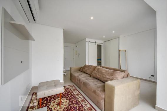 Studio No 9º Andar Com 1 Dormitório E 1 Garagem - Id: 892950010 - 250010
