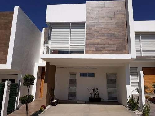 Casa En Venta En Lomas De Angelopolis 3