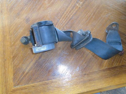 Vendo Cinturon De Seguridad De Mazda 323 Modelo F, Año 1999