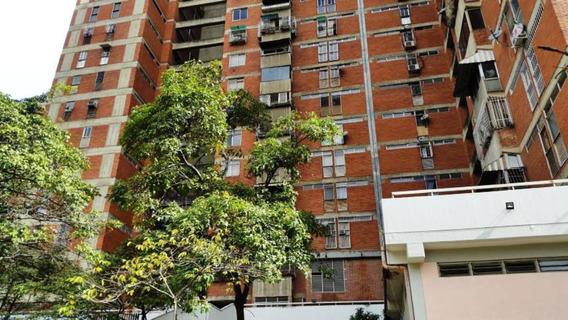 Apartamento En Plaza Venezuela #20-1318