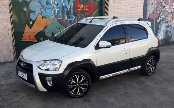 Toyota Etios 1.5 Cross 2018