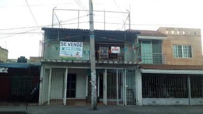 Casa En Venta En Col. San Andres Esq. Av. San Jacinto, Gdl
