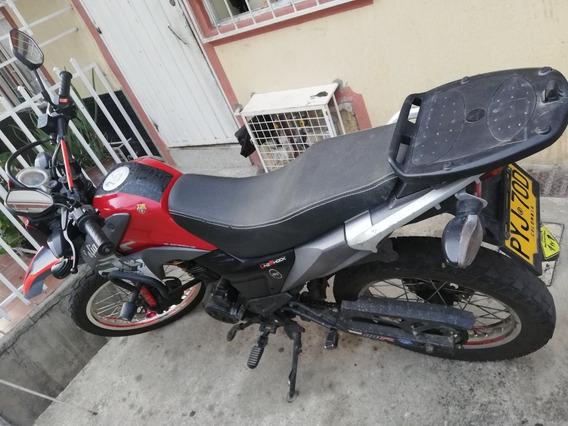 Vendo Moto Akt Tt180