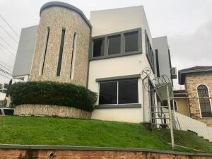 Venta Bella Casa En Altos De Panama Panama