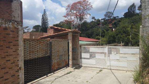 Vendo Casa En Oripoto, Altos Del Halcon, 3 Hab, 4 Baños