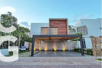 Casa En Venta En Cancun En Residencial Lagos Del Sol De 4 Re