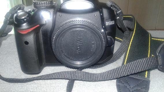 Vendo Kit Nikon D5000 + Lente 18-135 + Flash Yongnuo 565 Ttl
