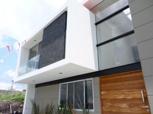 Hermosa Residencia En Venta En Lomas De Juriquilla, 3 Recamaras C/u Con Baño