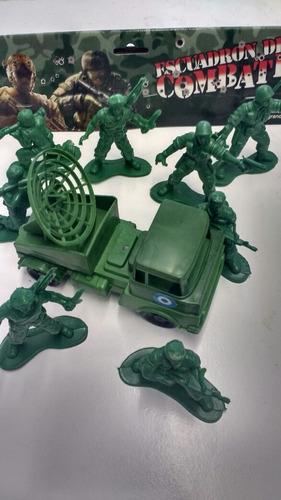 Soldados Escuadron De Combate X 8 Más Camión Militar