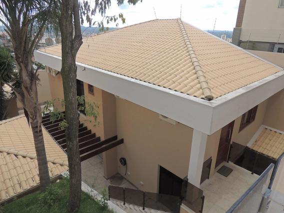 Casa No Bairro Ouro Preto Bh