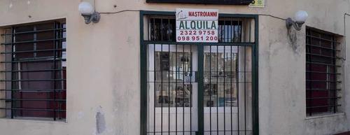 Se Alquila Excelente Local En El Centro De Melilla 099176877