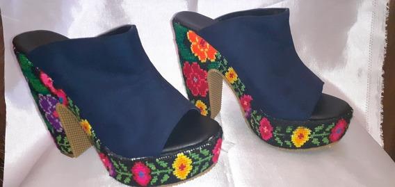 Zapatos De Tacon Bordado De Punto De Cruz Marca Artesanal
