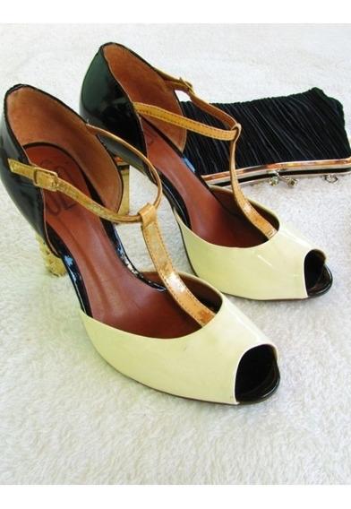Lindo Sapato Uza, Com Salto Dourado
