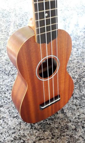 Ukulele Sk-10 Soprano Com Bag. Importador Autorizado Ohana.