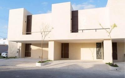 Montecristo Townhouse De Lujo Dentro De La Ciudad Zona Norte. Te Pagamos Una Renta Desde Su Compra