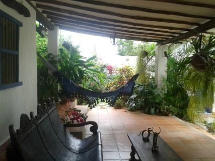 Casa En Venta Guacuco I De Margarita 04120934406