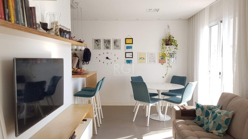 Apartamento Em Humaitá Com 2 Dormitórios - Ot7997