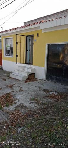Casa Grande De 3 Dormitorios Y Garaje.