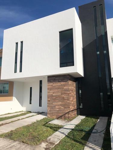 Hermosa Casa En Venta (el Mirador)