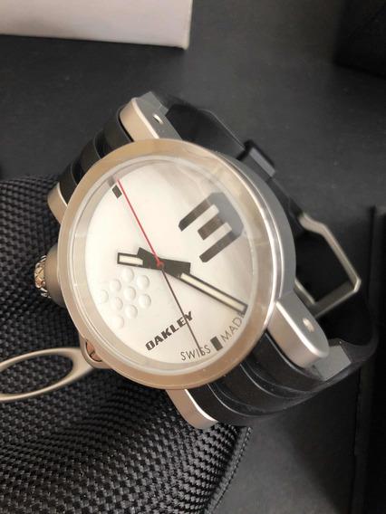 Relógio Oakley Transfer Case White Dial - Novo E Na Caixa