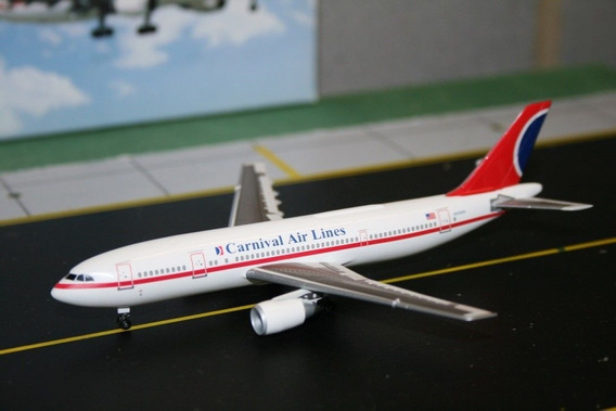 Maquete/miniatura Avião Airbus A300 Carnival Airlines 1:400