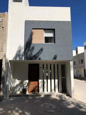 Venta De Casas En Desarrollo Paseo Real 4000 Por Real Center