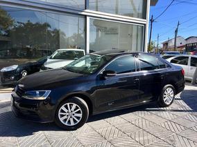 Volkswagen Vento 2.0 Advance Gnc / $ 300000 Y Cuotas /