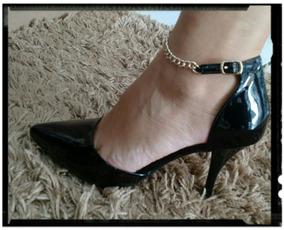 5a3e448651 Sapato Salto Alto Com Tornozeleira Com Dourado - Sapatos no Mercado ...
