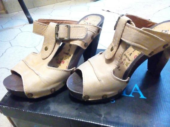 Zapatos Taco Alto Nazaria Suecos