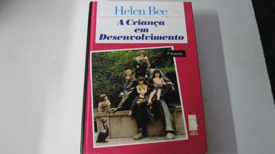 Livro = A Criança Em Desenvolvimento