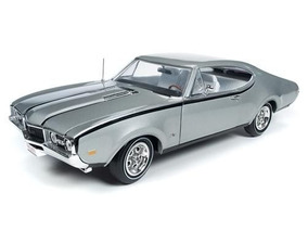 Oldsmobile Cutlass 1968 50th Anniversary 1:18 Autoworld