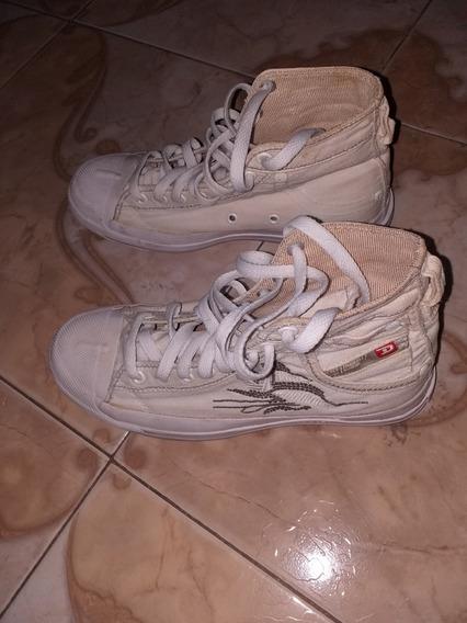 Zapatillas De Mujer, Marca Diesel. Talle 37.