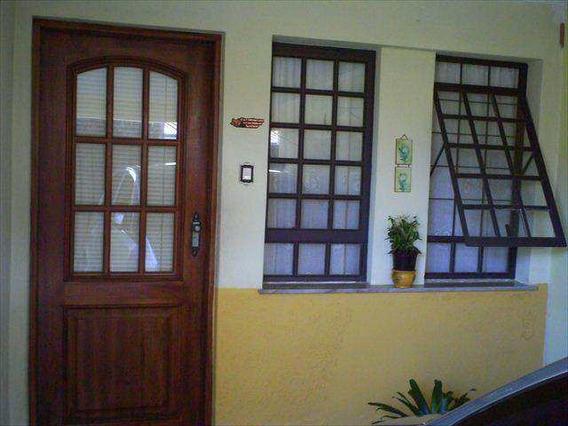 Casa Em Amparo Bairro Jardim São Dimas - V864