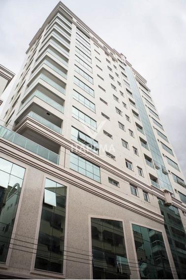 Apartamento 04 Suítes + 04 Vagas Na Meia Praia - Ref 570