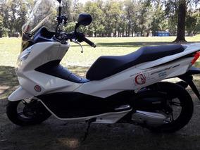 Honda Pcx 150 Unico Dueño Con 4850 Km Impecable